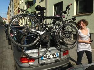 Vecchia BMW e bici
